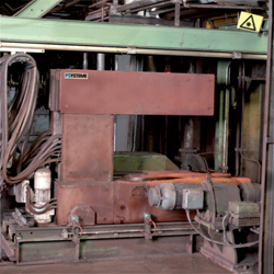 Thickness measurement in hot mill